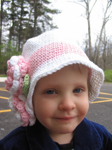 Donna in Easter hat
